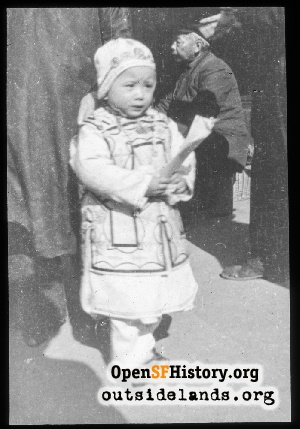 Child in Chinatown,1900