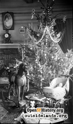 LeRoy Home at Christmas, Pacific Heights