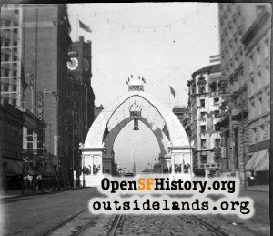 Market near Third,Aug 1903