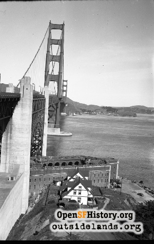 Golden Gate Bridge,1948