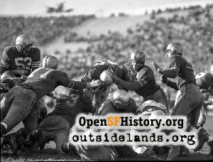 49er McElhenny scores vs. Packers,1952