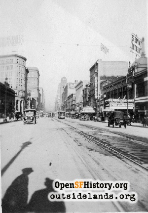 Market near 6th,Nov 1912