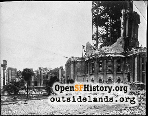 Old City Hall in ruins,1906
