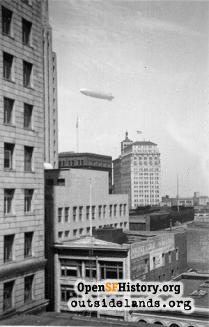 Dirigible U.S.S. Macon,1930