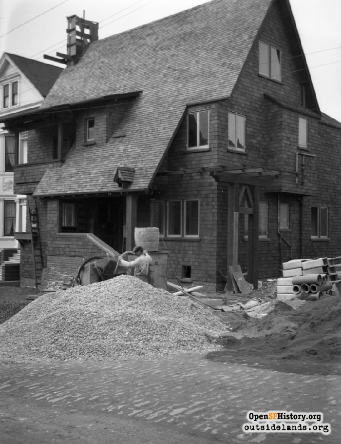 1526 Masonic Avenue under construction, 1910