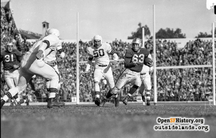 Quarterback Frankie Albert running the ball against the Cleveland Browns, November 28, 1948.