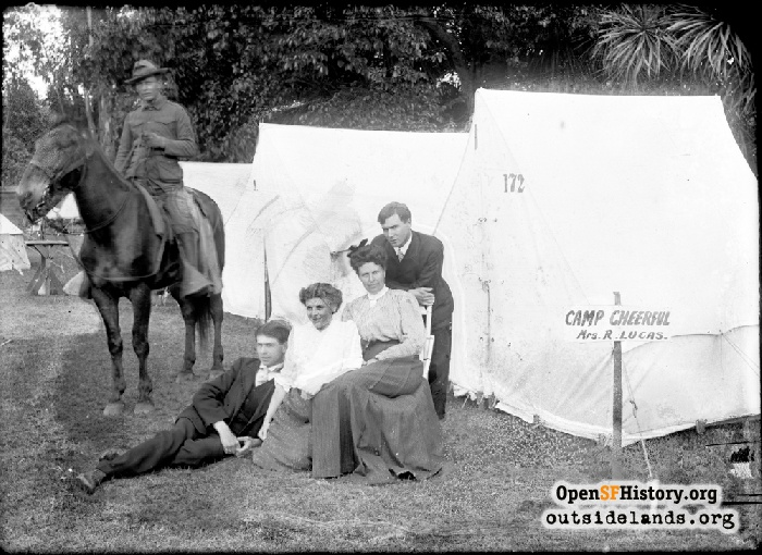 Earthquake refugees in Golden Gate Park, 1906.
