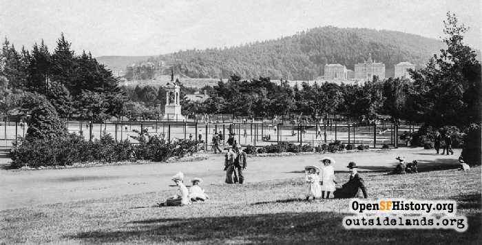 Tennis courts and Francis Scott Key Memorial with Mt. Sutro in background, circa 1905.