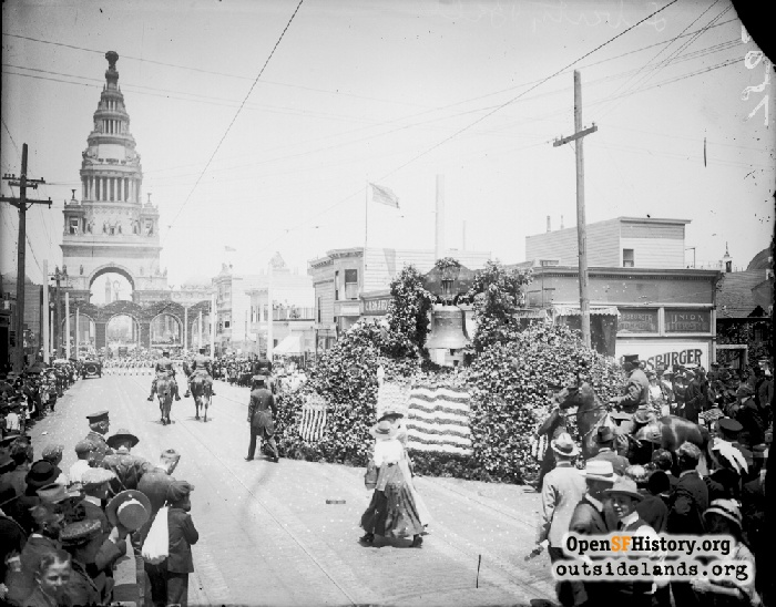 Liberty Bell on way to PPIE, July 17, 1915