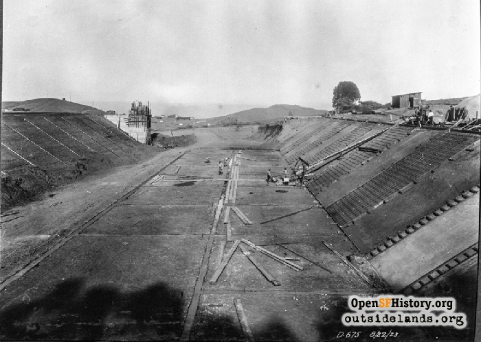 Construction of Stanford Heights Reservoir, August 22, 1923.