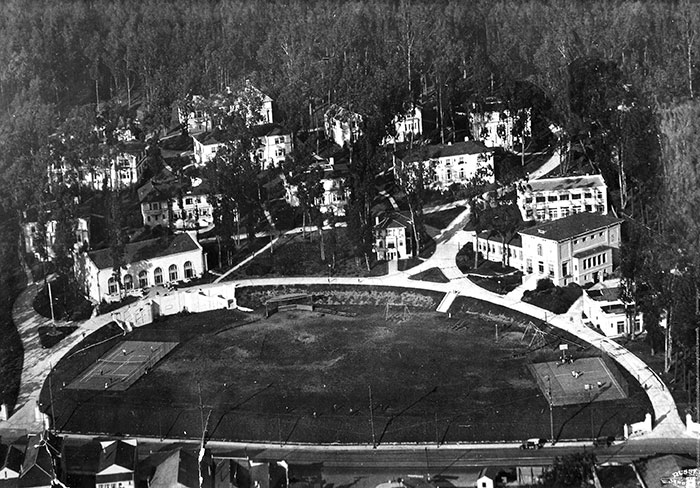 Homewood Terrace from the air, 1920s. Ocean Avenue at bottom.
