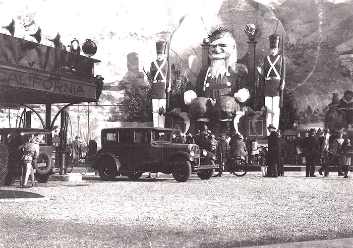 Fell and Baker gas station at Christmas, 1927